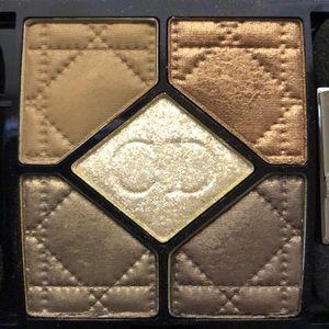 """Dior eyeshadow palette in """"Golden Savanah"""""""